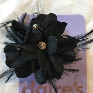 4 Flower hair clips